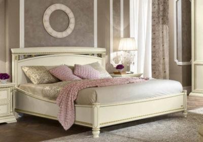 Κομψό Κρεβάτι Με Χειροποίητες Διακοσμητικές Λεπτομέρειες CG-370149