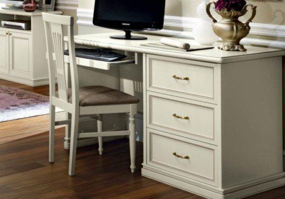 Λευκό κλασσικό γραφείο με τρία συρτάρια