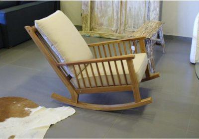 Κουνιστή Καρέκλα Σε Φυσική Απόχρωση Ακακίας J-220502