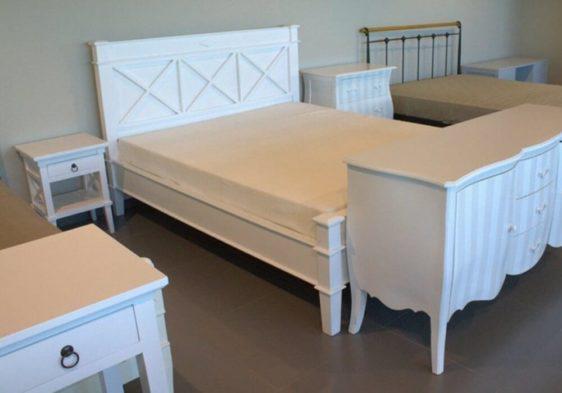 Υπέρδιπλο Κρεβάτι από Μαόνι Χιαστή J-127613
