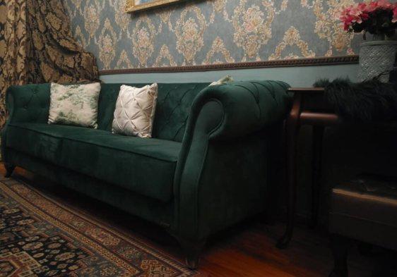 Κυπαρισί καναπές Chesterfield