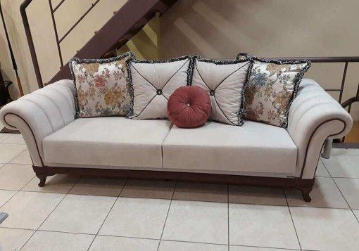 καναπές παραδοσιακός μπεζ με στρογγυλά μπράτσα