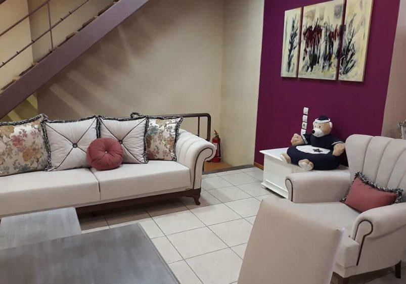 ρουστίκ εκρού τριθέσιος καναπές κρεβάτι