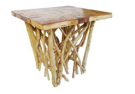 τραπέζι φαγητού με βάση πλέγμα από κορμό δέντρου