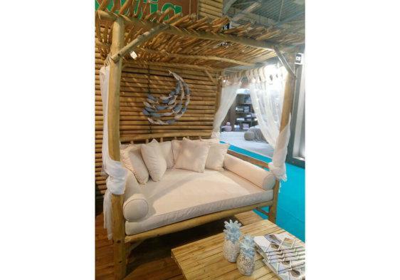 daybed φυσικό ή λευκό με μαξιλάρια