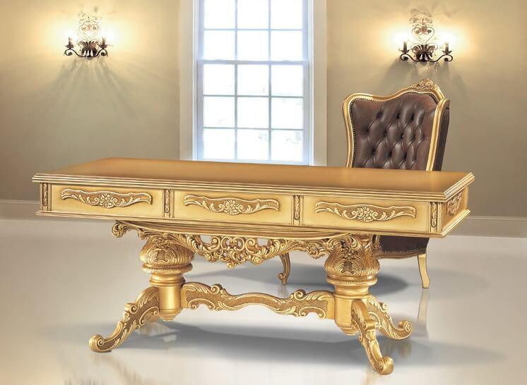 Γραφείο Λουδοβίκου χρυσό.