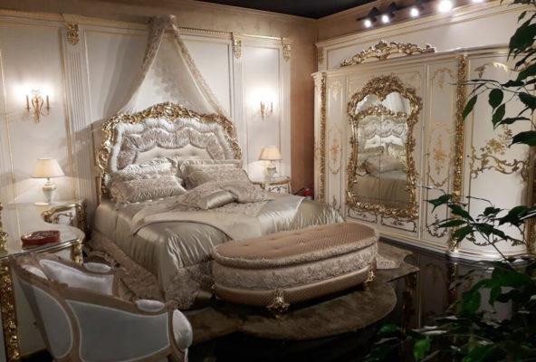 Κρεβατοκάμαρα μπαρόκ λευκό με χρυσή πατίνα από την έκθεση του Μιλάνου