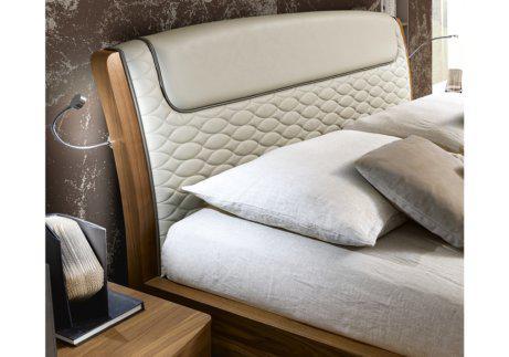 Κρεβάτι για πολυτελή μοντέρνα κρεβατοκάμαρα