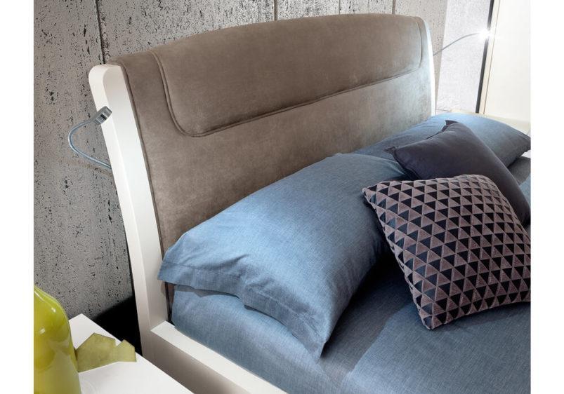 μοντέρνο κρεβάτι με φωτισμό led λεπτομέρεια