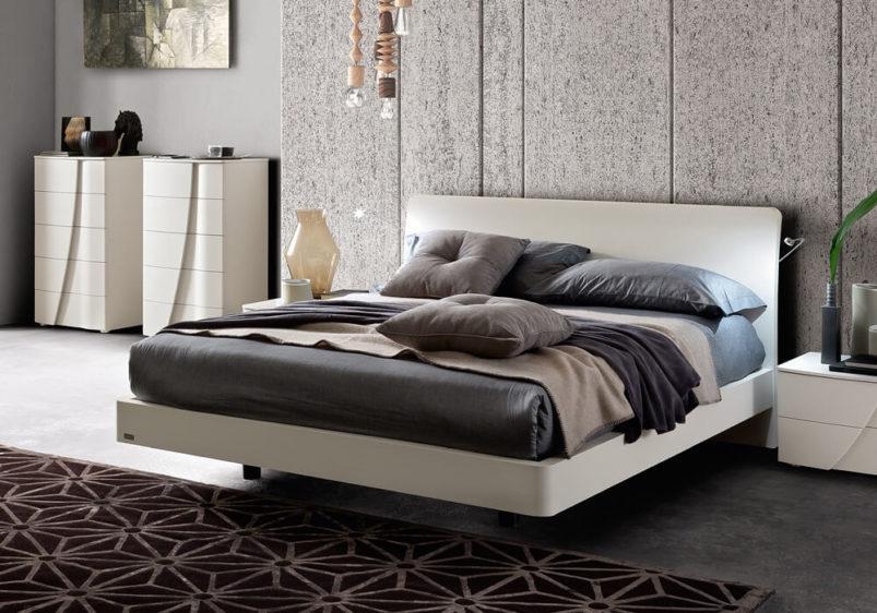 μοντέρνα λευκή κρεβατοκάμαρα