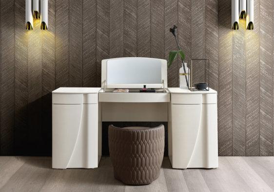 μοντερνα τουαλέτα με ενσωματωμένο καθρέφτη
