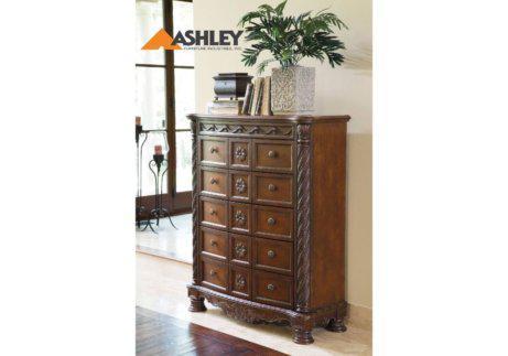 Σκαλιστή κλασική συρταριέρα North Shore by Ashley