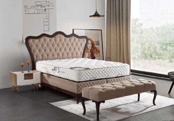 Κλασικό καπιτονέ κρεβάτι