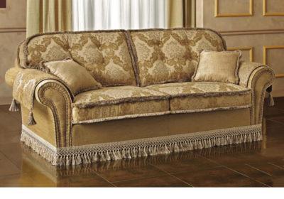 Καναπές με κλασικά υφάσματα