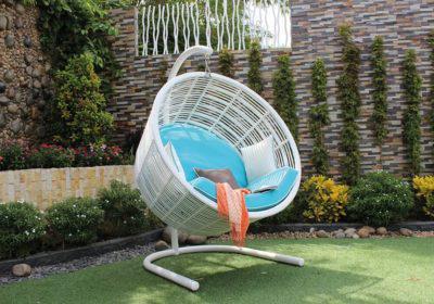 κουνιστή καρέκλα προβολέας από rattan με κάθισμα αλουμινίου