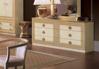 Διπλή συρταριέρα λευκή με μαιάνδρους