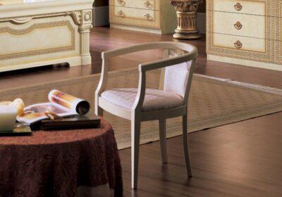 Κλασική πολυθρόνα λευκή για μπουντουάρ