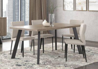 Λιτό τραπέζι με ίσια μαύρα μεταλλικά πόδια