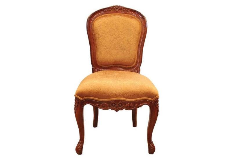 καρέκλα τραπεζαρίας με σκαλίσματα στο ξύλο