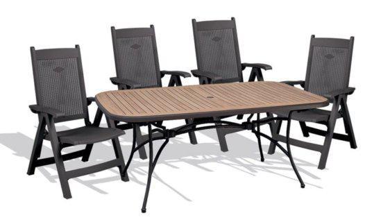 Τραπέζι με σκελετό αλουμινίου και τέσσερις καρέκλες