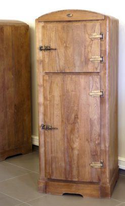 Ψυγείο ξύλινο με σύρτη μασίφ J-130690
