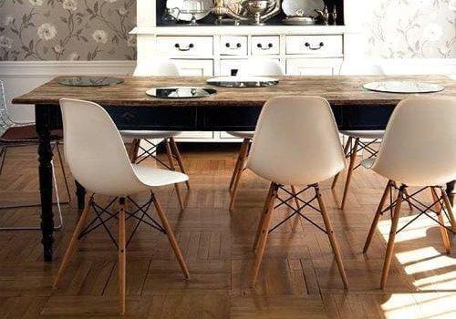 Καρέκλα με σύχρονο και μοντέρνο design.Ξύλινα πόδια και πλαστικό κάθισμα.R-Wood