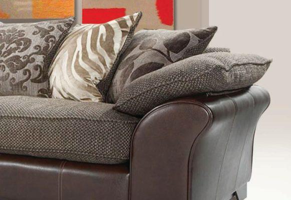 Μαξιλαράτος καναπές C-102500