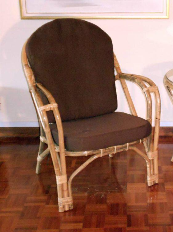 Πολυθρόνα Με Καφέ Μαξιλάρες Από Bamboo Ε-225019