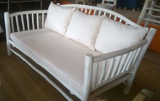 Τριθέσιος Καναπές Με Ξύλινο Σκελετό  E-227012