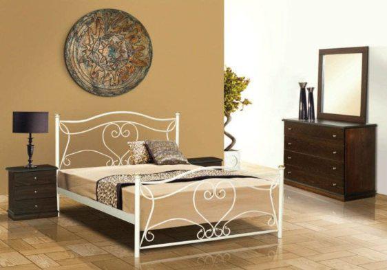 Λευκό Κρεβάτι Με Χρυσές Λεπτομέρειες Μ-050637