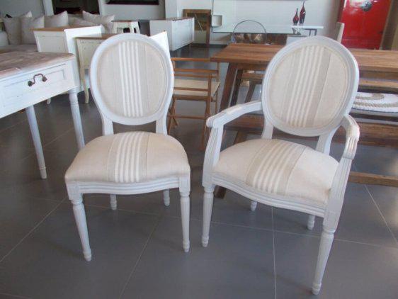 Καρέκλα κλασική με καρό ύφασμα J-143535